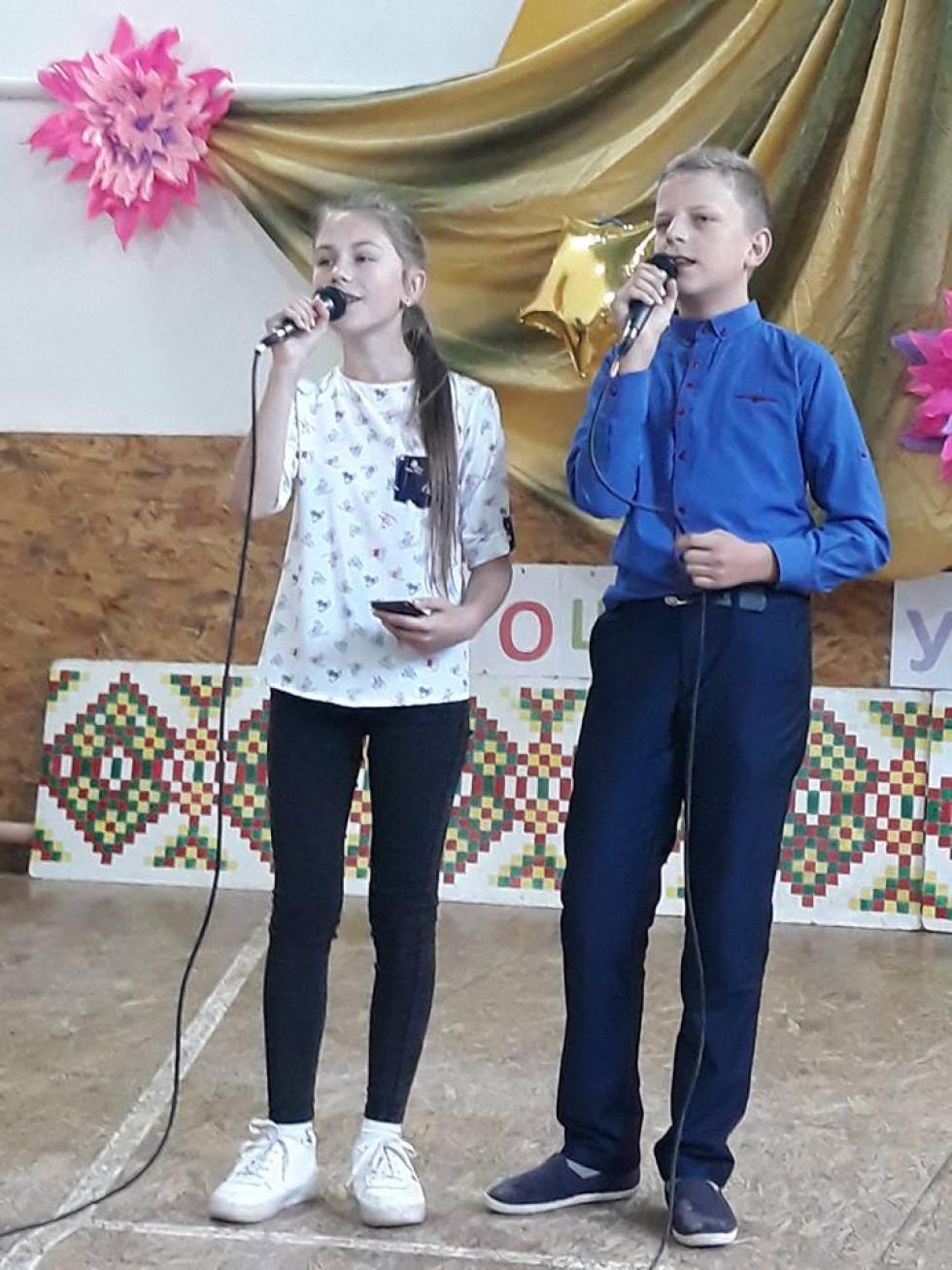 Співочий дует Новокорецької школи