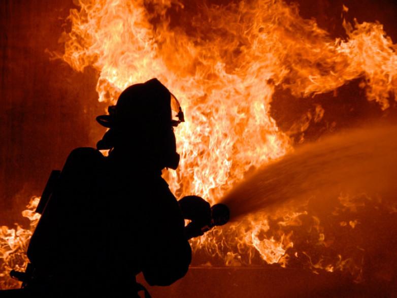 У Корці в масштабній пожежі в загинув господар