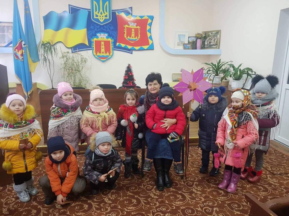 Колядники із міським головою Людмилою Дмитрук