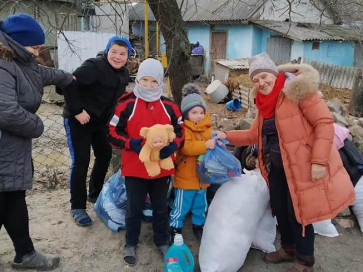 Благодійники відвідали ще одну сім'ю