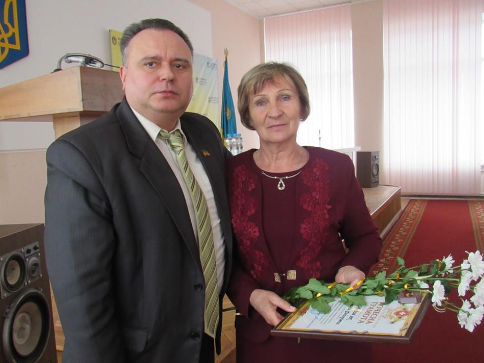 Голова райради Ігор Хоменчук із депутатом райради Євгенією Медов'як