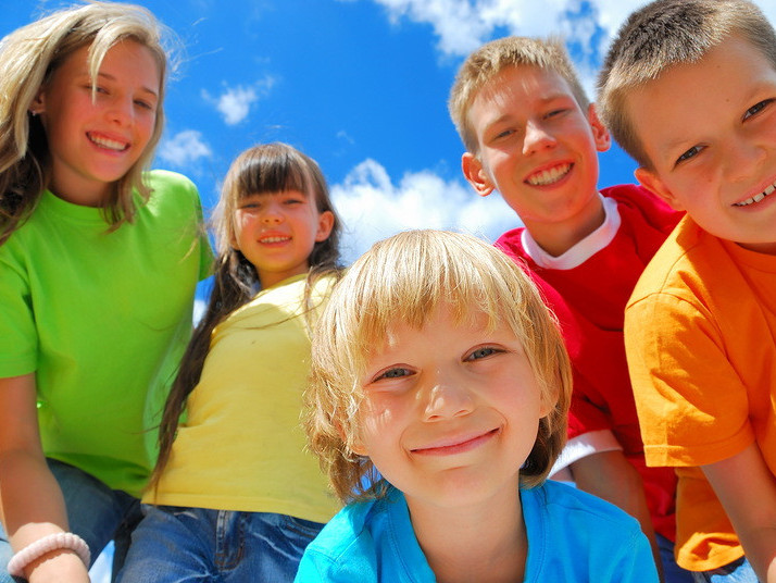 Міжнародний день захисту дітей: для малечі Кореччини співатимуть українські зірки