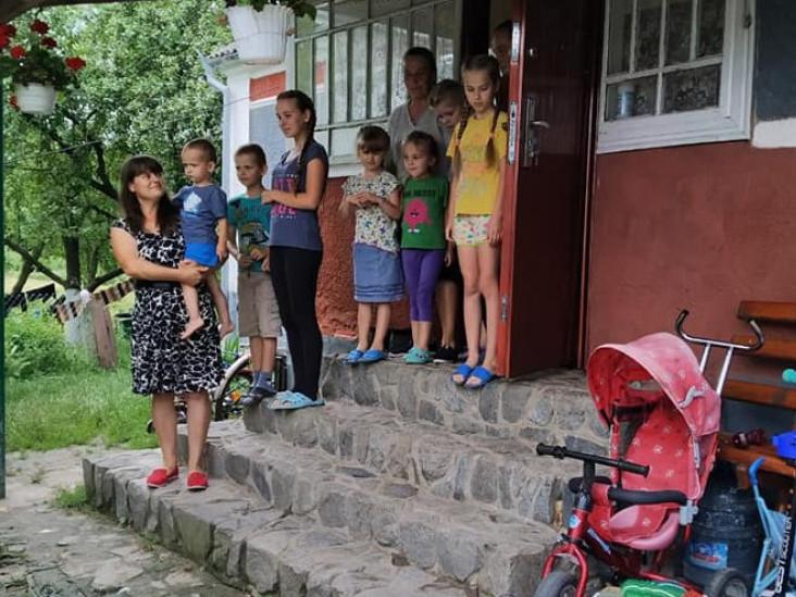 Відвідали багатодітну родину у Світанку