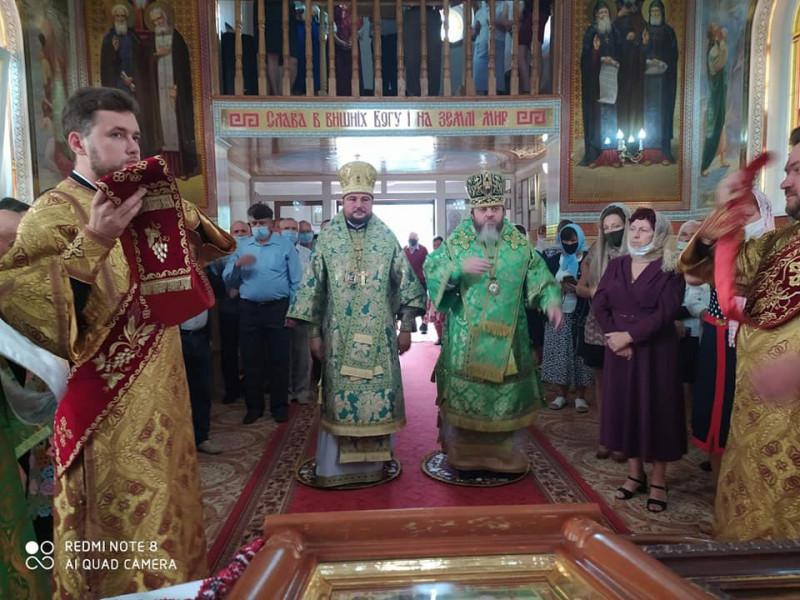 Божественну літургію у день Серафима Саровського у одному із храмів міста очолив Драбинко