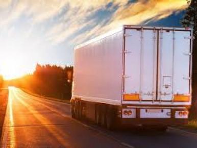Патрульна поліція нагадує водіям вантажівок про температурний режим