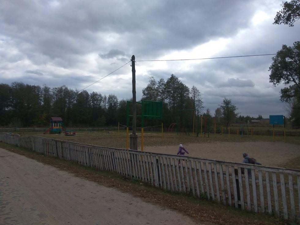 Спортивний майданчик Устянської школи