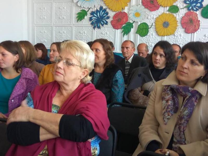 У Великомежиріцькому ліцеї привітали педагогів