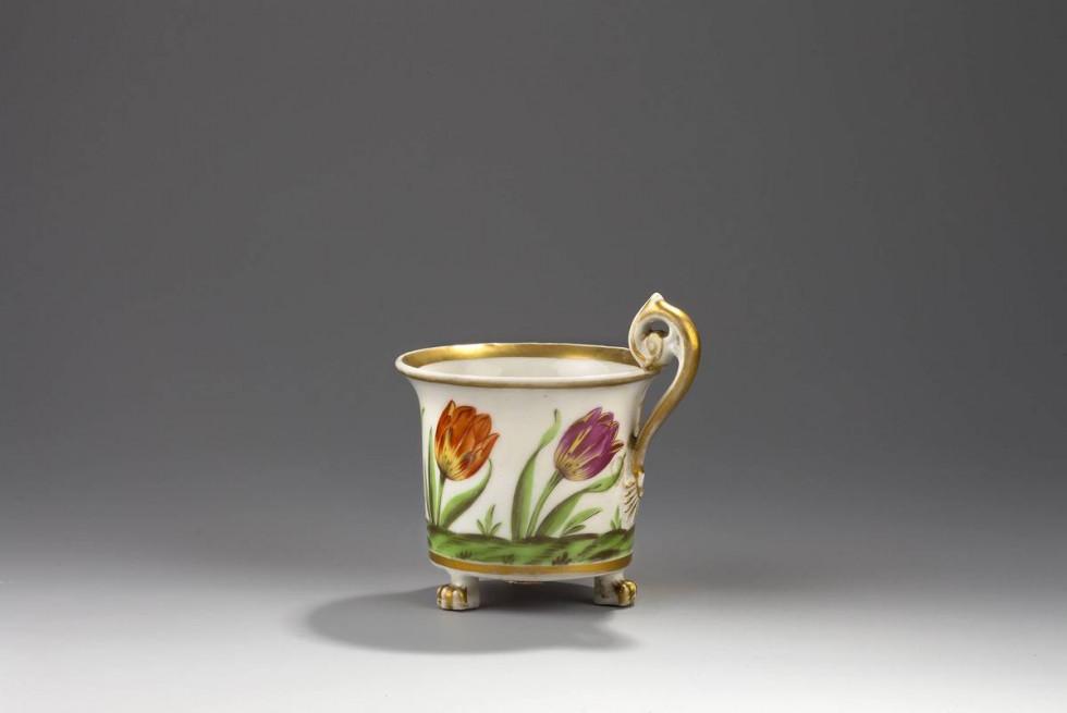 Порцелянова чашка із Корця