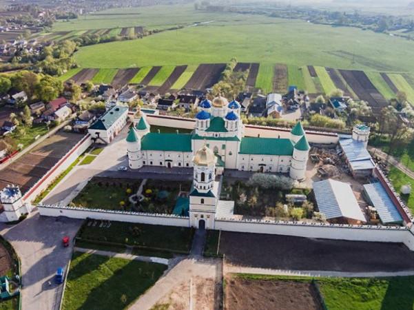Троїцький Межирицький чоловічий монастир УПЦ (Острозький район)