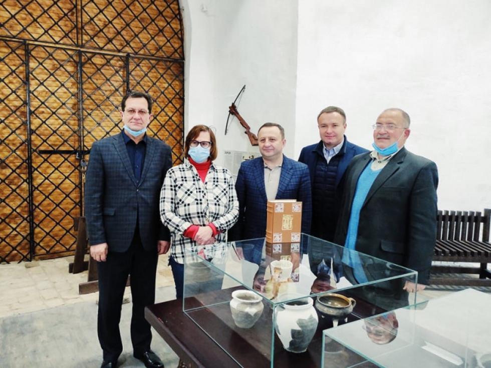 Нобельське Євангелія передали у фонд музею Острога